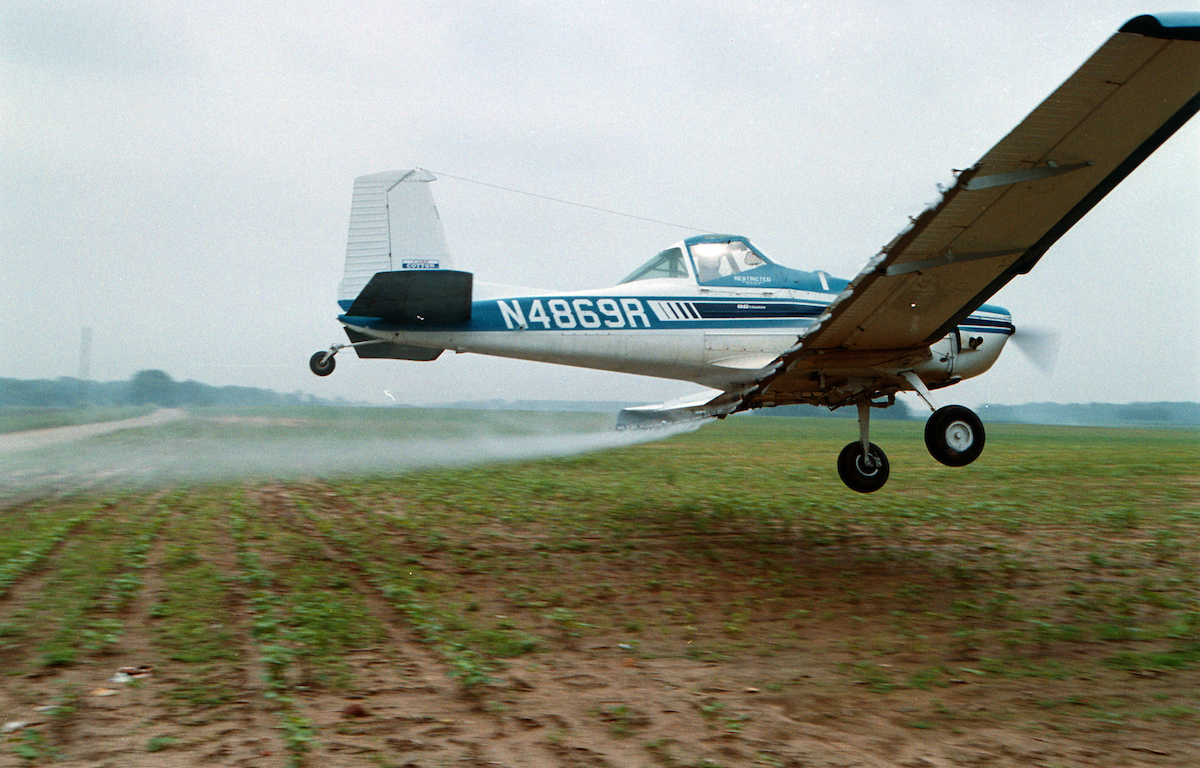 Low-flying Cropduster